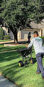 Lawn-Fertilization-&-Weed-Prevention